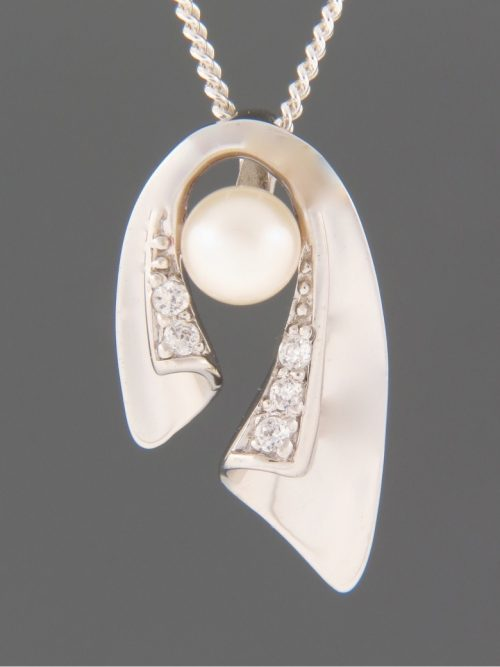 Pacific Pearl Pendant with Zircon - Sterling Silver - Y466