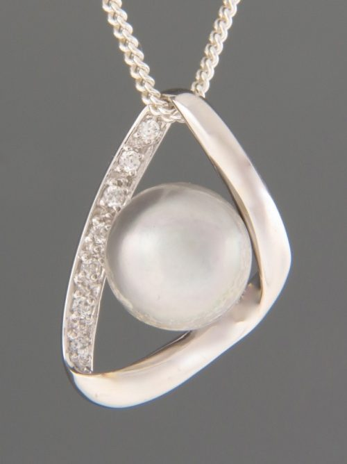 Pacific Pearl Pendant with Zircon - Sterling Silver - Y470