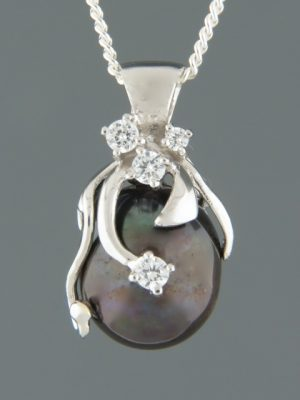 Pacific Pearl Pendant - Sterling Silver - Y400
