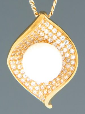 Pacific Pearl & Zircon Pendant - Gold Vermeil - Y497GV