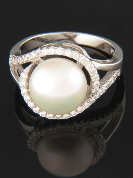 White Pearl Ring with Zircon - Sterling Silver - Y114R
