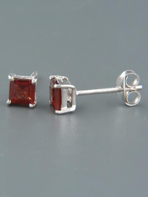 Garnet Earrings - Sterling Silver stud - 4mm stones - G513