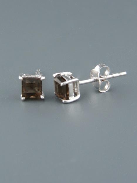 Smokey Quartz Earrings - Sterling Silver stud - 4mm stones - SQ507