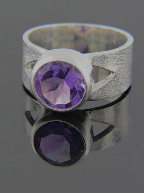Amethyst Ring - Sterling Silver - A119R