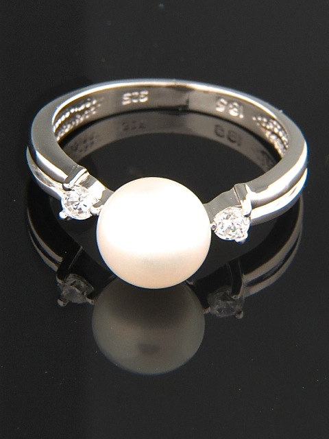 White Pearl Ring with Zircon - Sterling Silver - Y100R