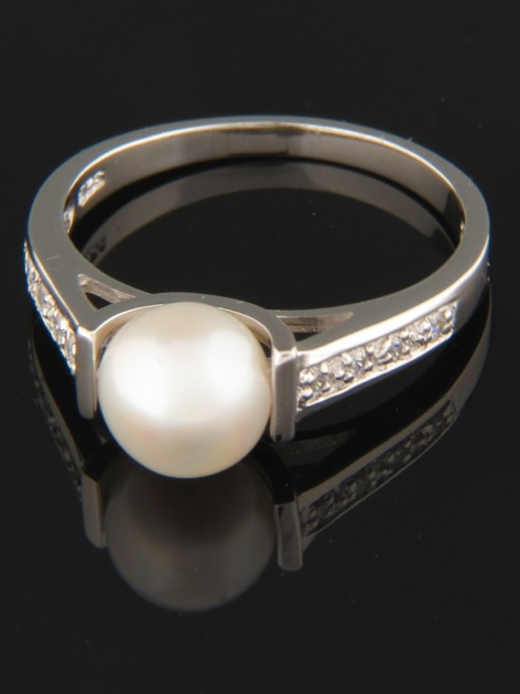 White Pearl Ring with Zircon - Sterling Silver - Y101R