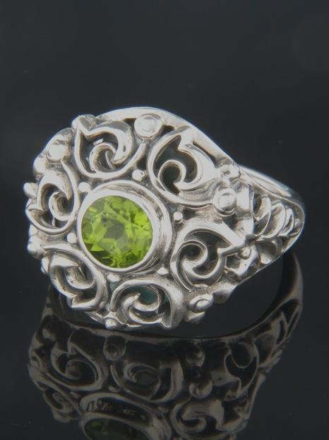 Peridot Ring - Sterling Silver - P105R