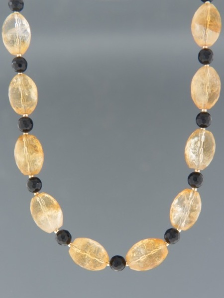 Citrine Necklace with Onyx - 9ct Gold - 46cm length - C012