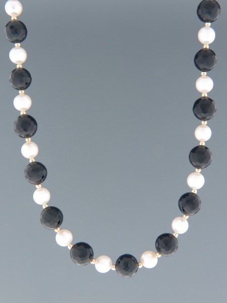 Onyx & Pearl Necklace - length 46cm - OX005