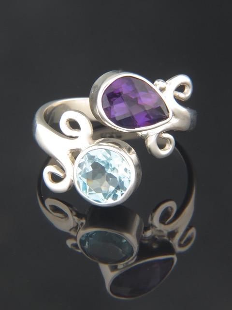 Amethyst & Blue Topaz Ring - Sterling Silver - A113R