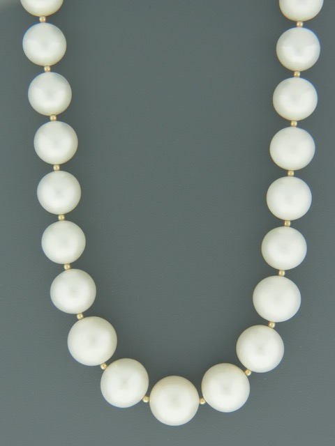 White Pacific Pearl Necklace with Gold beads - 11-14mm - Y023