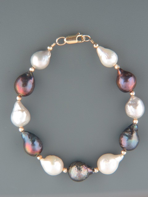 Dark & White Baroque Pearl Bracelet with Gold beads - Y924