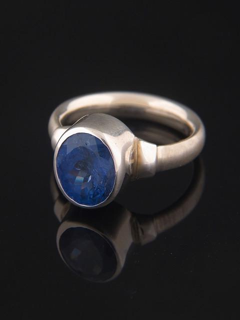 Tanzanite Ring - Sterling Silver - TNZ104R