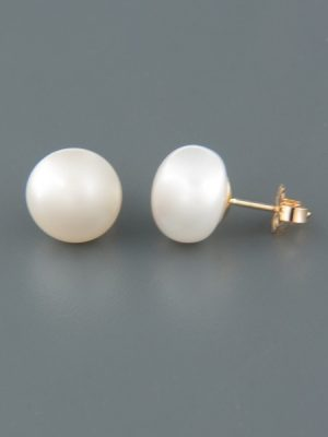 10mm White Pacific Pearl Stud Earrings - Gold - YW10ZG