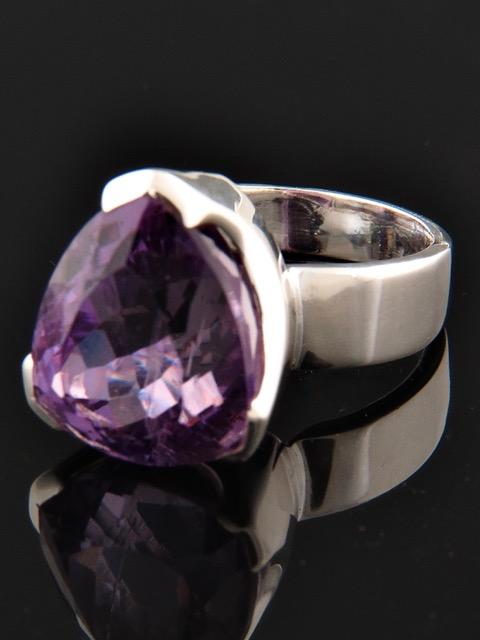 Amethyst Ring - Sterling Silver - A116R